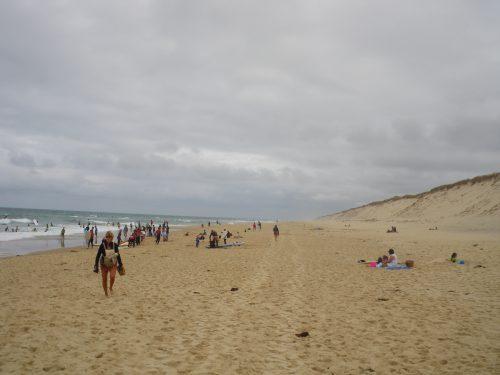 Hourtin plage. Une grande plage au bord de l'océan