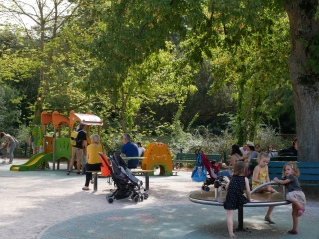 le-jardin-des-plantes-toulouse-aire-de-jeux-cote-0-3-ans - Copie