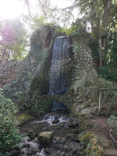 le-jardin-des-plantes-toulouse-la-cascade (2)