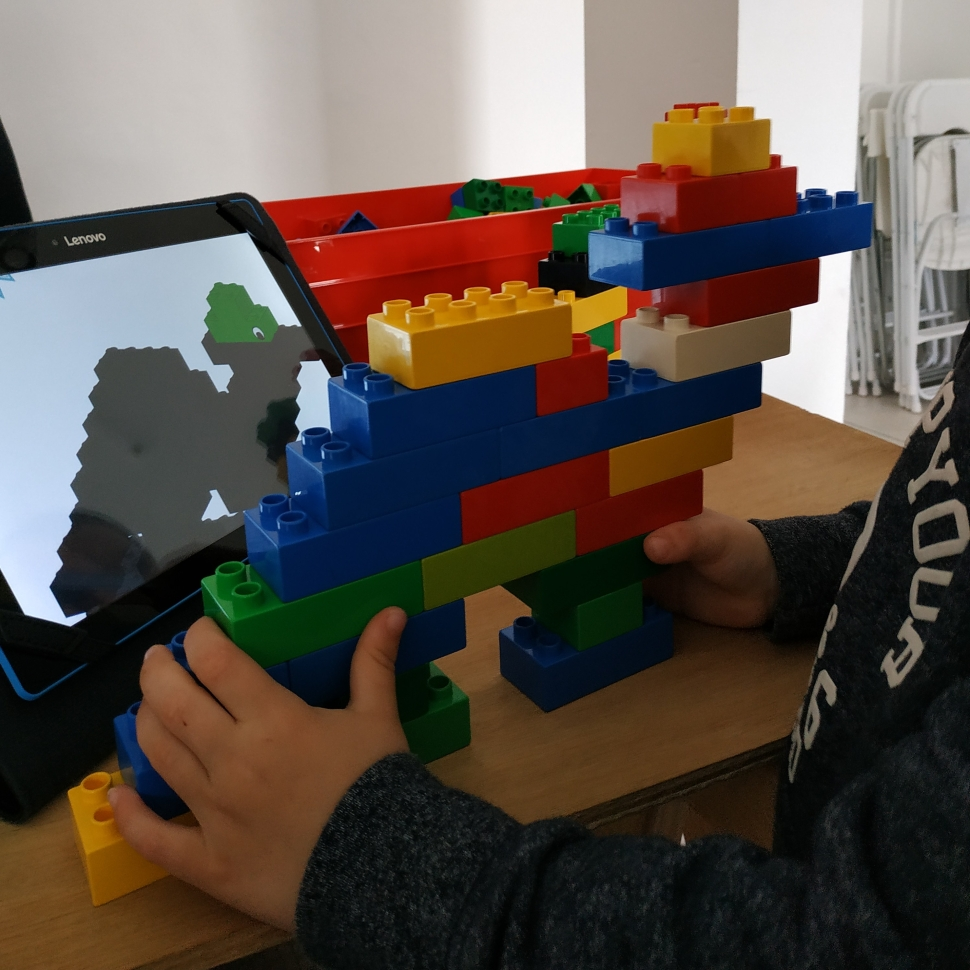 bricks4kids_toulouse_est_atelier_parents_enfants_dinosaure_1.jpg